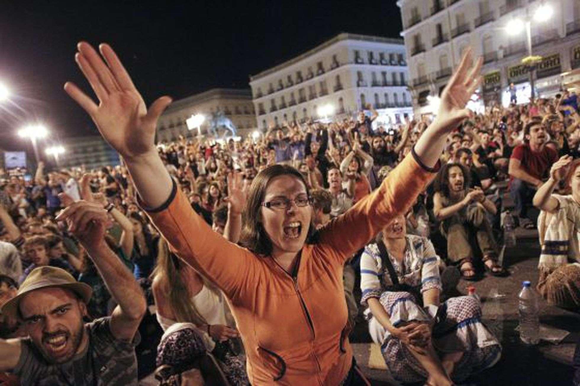Acampada del 15-M en la Puerta del Sol de Madrid. LUIS SEVILLANO